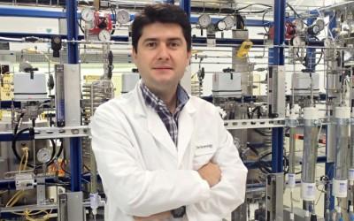 (Español) Javier García, premio a la mejor innovación en español en los EE. UU